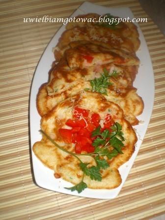 Racuchy z papryką, szynką i serem