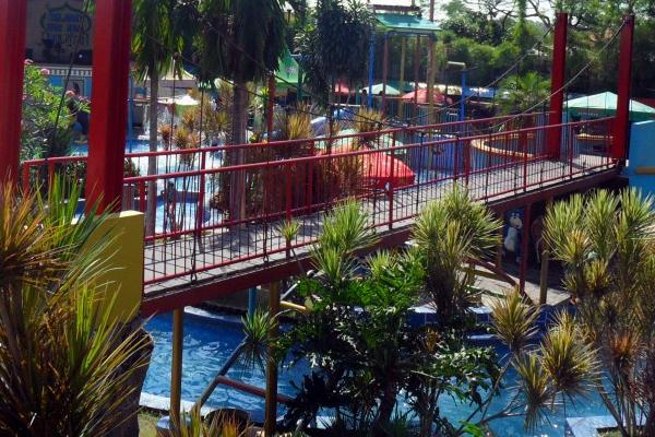 waterpark suncity sidoarjo