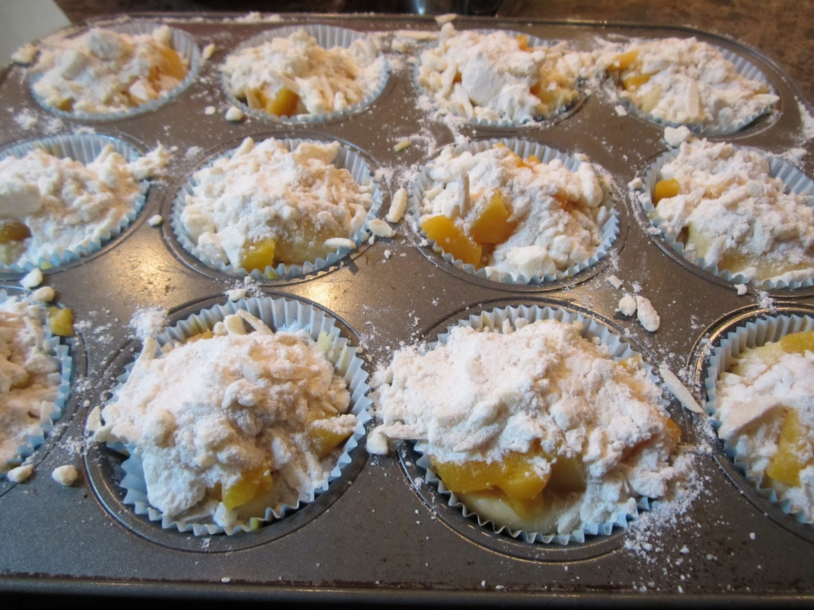 Sweet Magnolia Way: Delicious Peach Almond Muffins