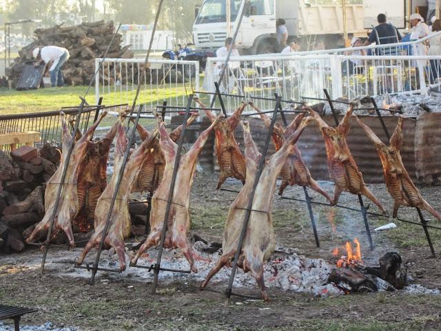 Corderos en el fuego