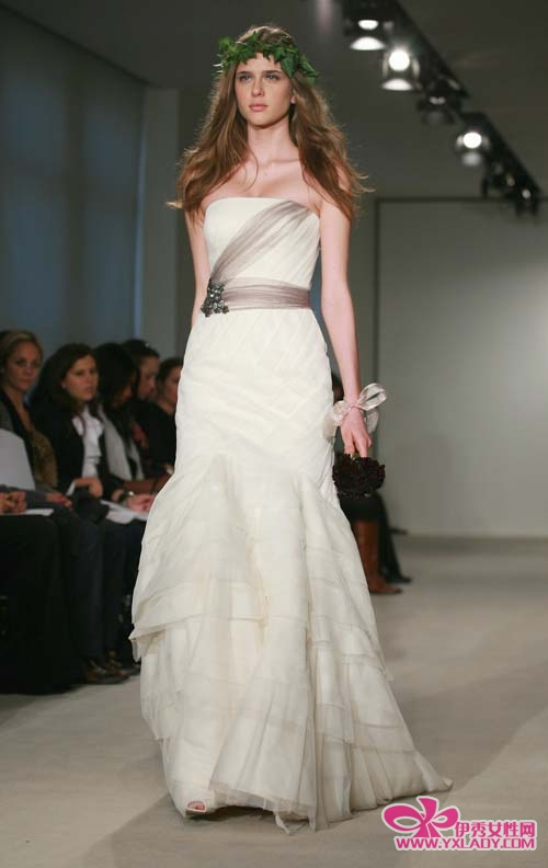 Vera wang wedding dresses wedding dress online shop for Vera wang wedding dresses outlet