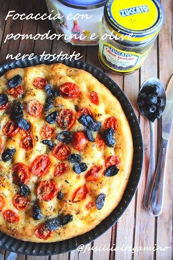 focaccia con pomodorini e olive nere tostate