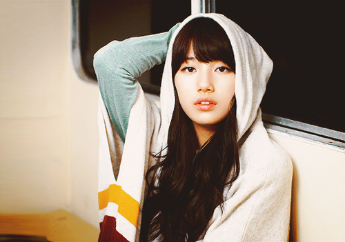 [PICTURE] Cute Bae Suzy Using Hoodie