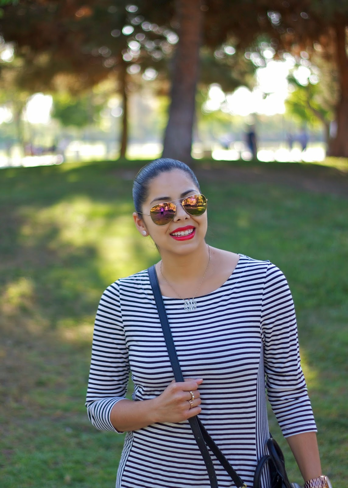 gold aviator mirrored sunglasses, gold mirrored sunnies, stripes and leopard outfit, mixed prints outfit leopard, casual outfit, what to wear to the park