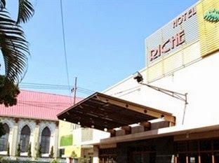 Hotel Murah Dekat Stasiun Tawang - Hotel Riche