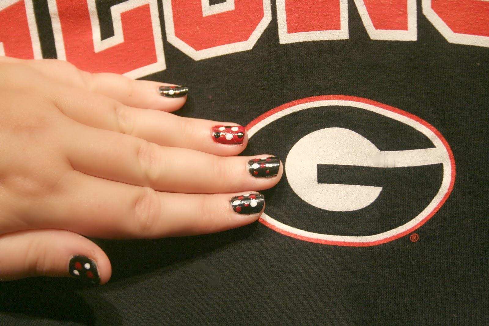 Elle Sees|| Beauty Blogger in Atlanta: DIY: School Spirit Nails