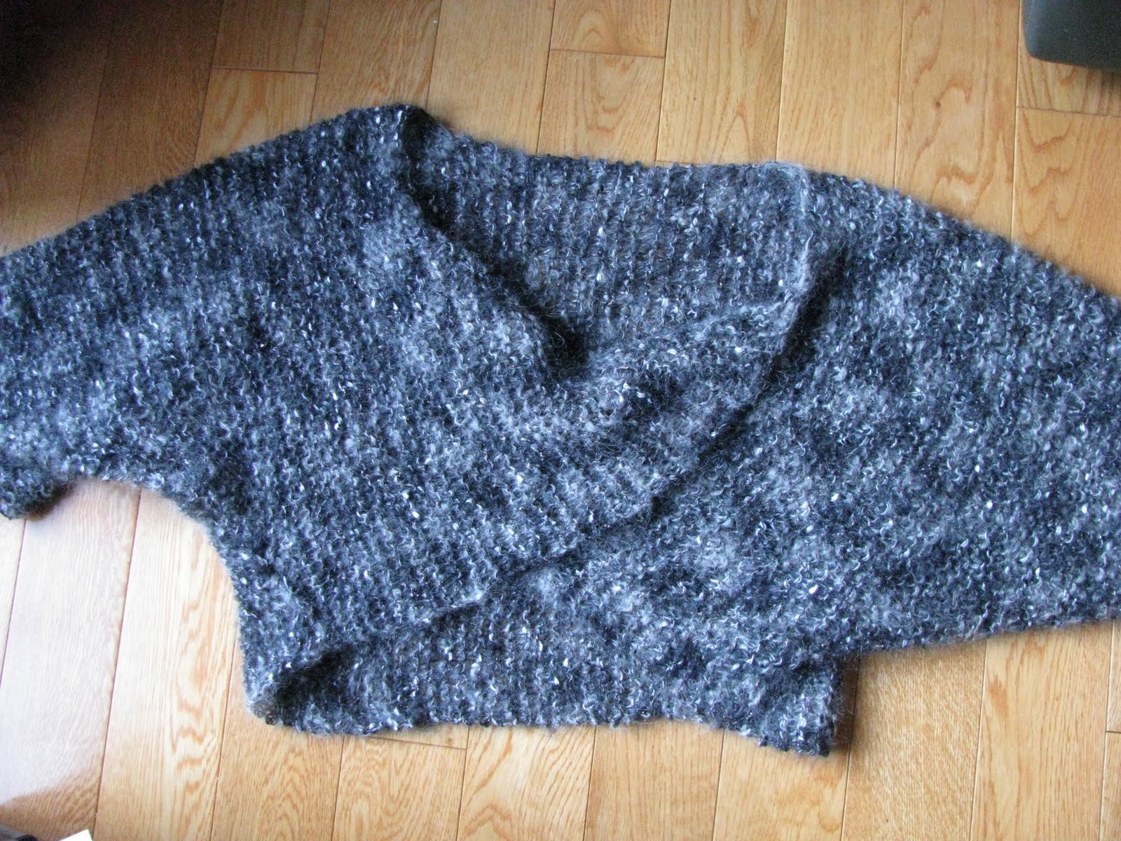 Chris Knits in Niagara: Shrug with a Twist