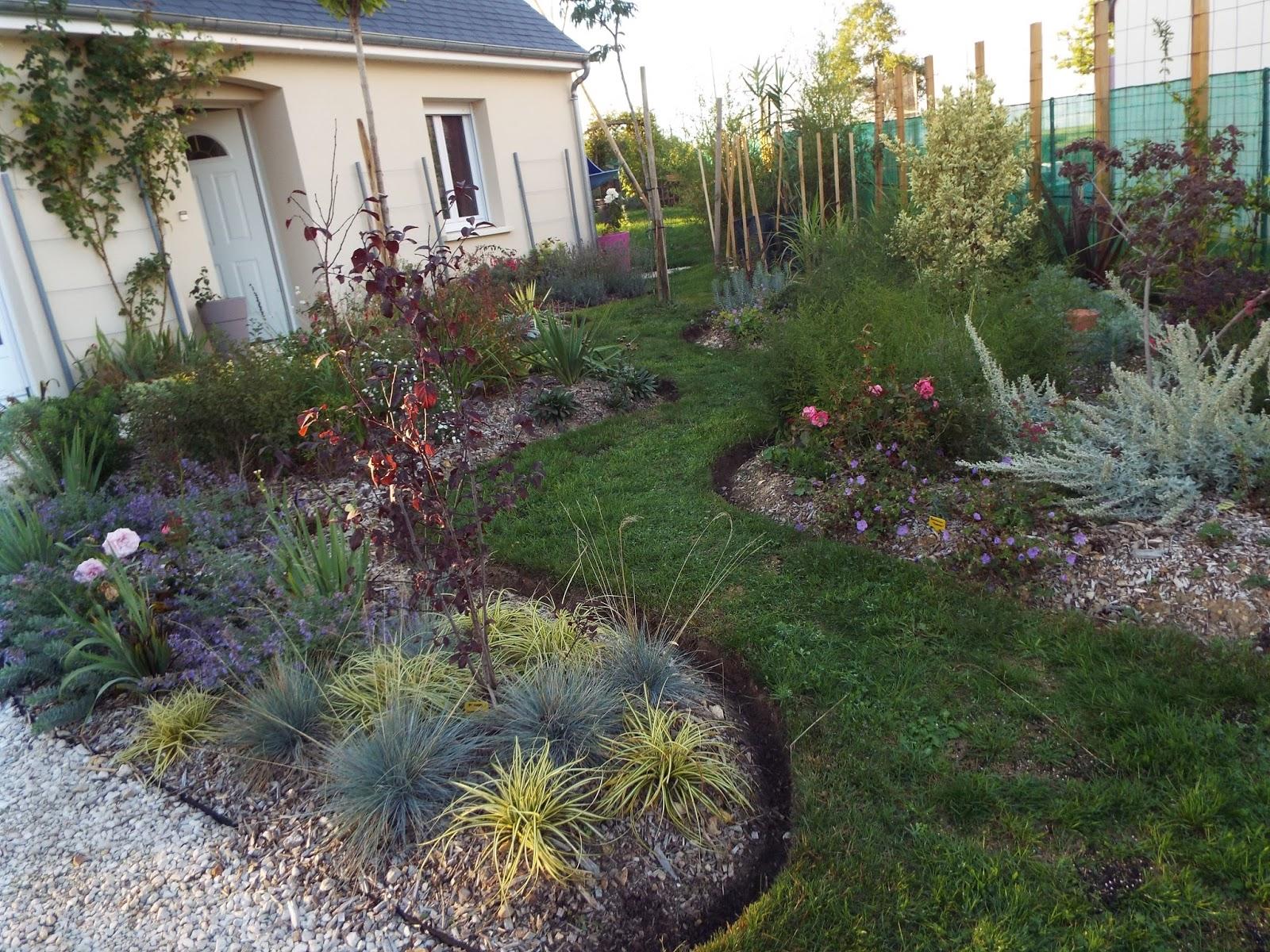 jardin devant maison best amenager jardin devant maison clanizm appartenant amenagement devant. Black Bedroom Furniture Sets. Home Design Ideas