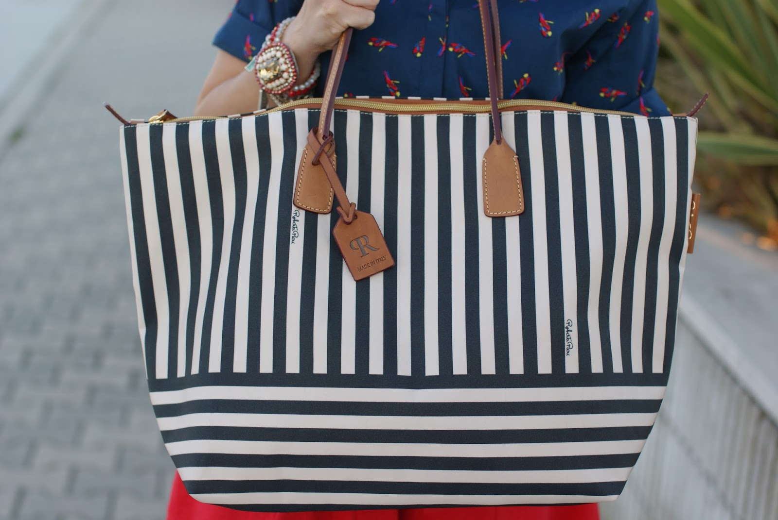 Robertina stripe tote, Robertina extralarge stripe bag on Fashion and Cookies fashion blog