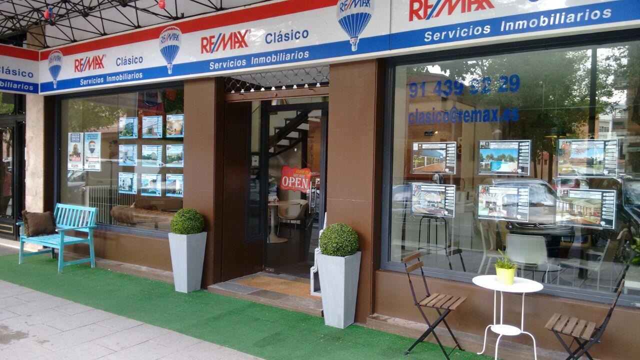Casas y pisos en venta madrid gr re max cl sico servicios for Agencia inmobiliaria