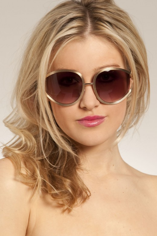 Fashion in New LookFashionable Glasses For Women 2012
