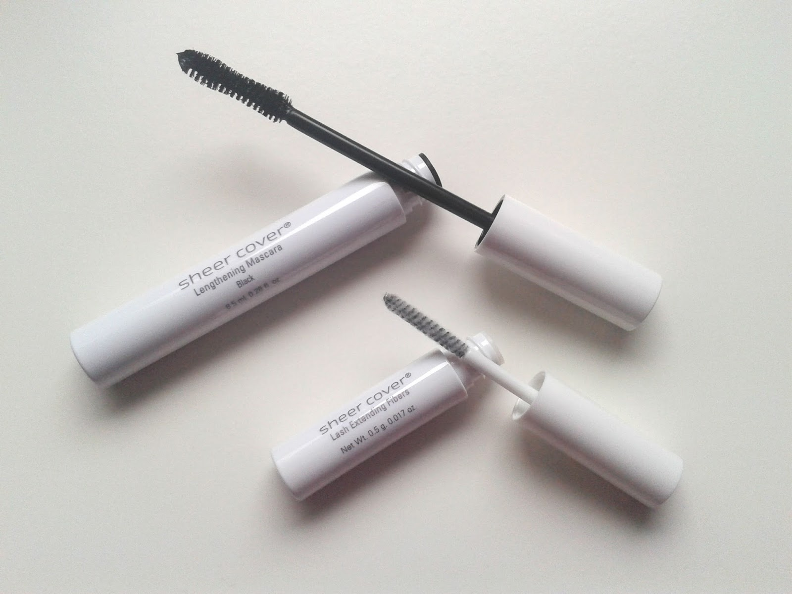 Sheer Cover Studio Lengthening Mascara Lash Extending Fibers