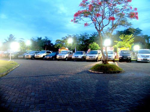 Tempat parkir The Club Padma Yang Luas
