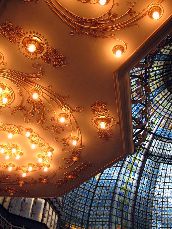 inside Printemps, Paris