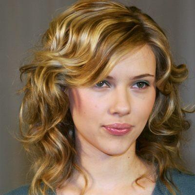 Wanita dengan Bibir Terseksi Scarlett Johansson