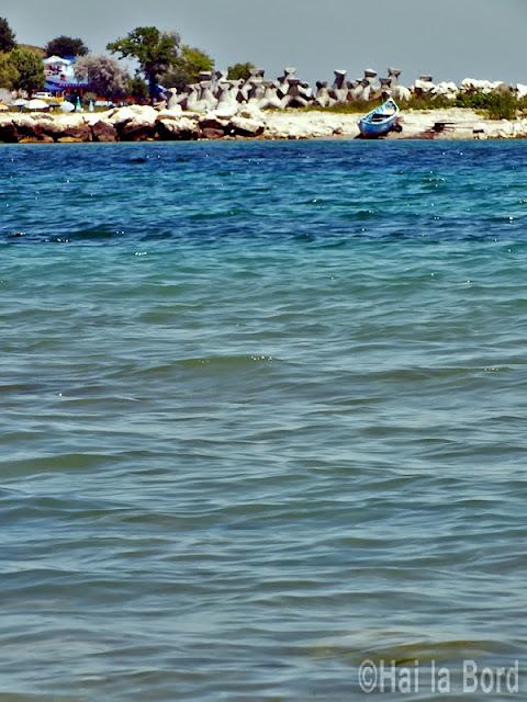 barca cap aurora iunie 2012