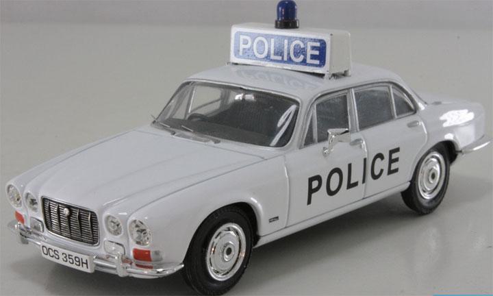 diecast toy car vanguards 1 43 jaguar xj6 ayrshire police. Black Bedroom Furniture Sets. Home Design Ideas