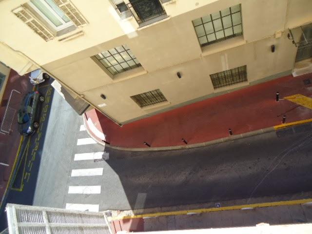 LA VUE DE LA FENÊTRE - STREET VIEW