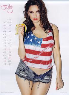 Kelly Brook eating a banana