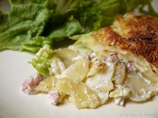 Gratin de pommes de terre, lardons et oignons (voir la recette)