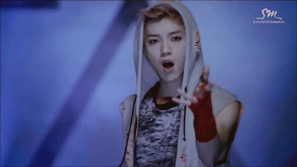 EXO Wolf Luhan