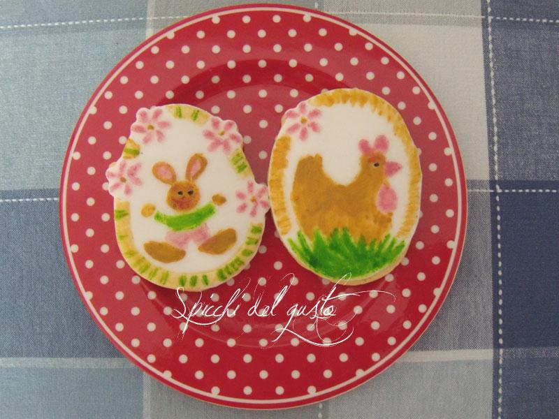 biscotti pasquali decorati con pasta di zucchero