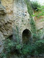 El pany de paret que resta del Molí dels Moros