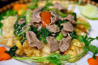 Fried Noodles (Phở Chiên Phồng)