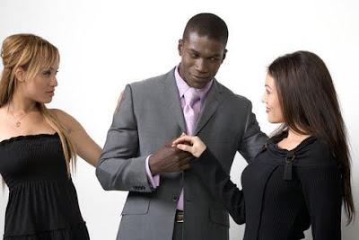 الرجال يفضلون الاسيويات ...والبيضاوات يفضلن اصحاب البشرة السمراء- رجل اسمر ونساء بيض - White women and black man and dating