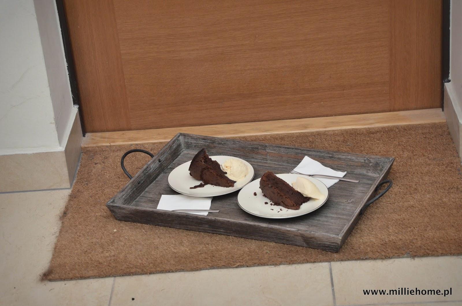 ciasto czekoladowe z lodami wanioliowymi