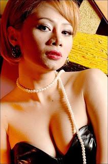 Femmy Permatasari - Artis Hot Seksy