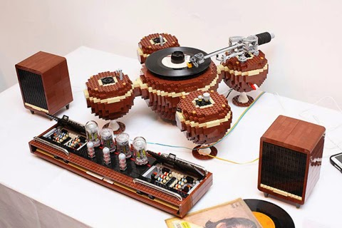 LEGO Turntable