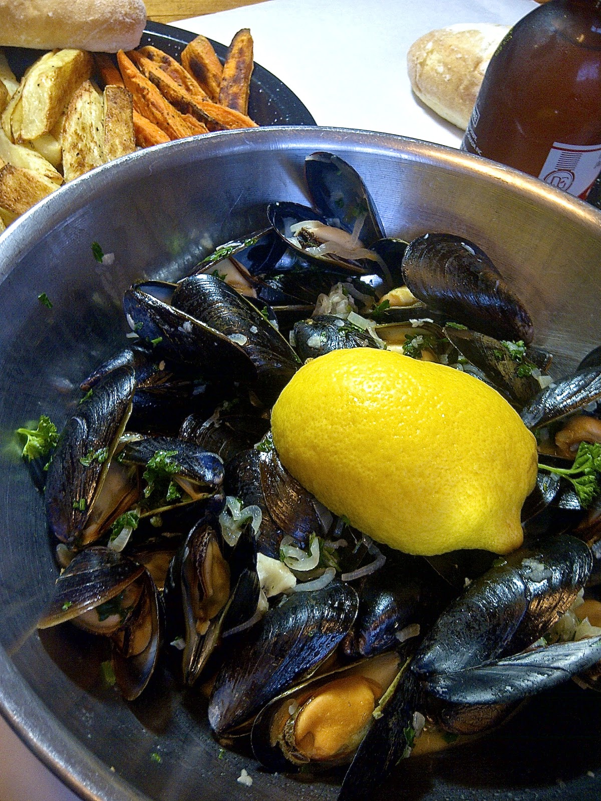 Super Easy To Make - Lemony Mussels & Oven Fries - www.soliloquyoffood.com