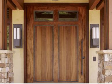 Fotos y dise os de puertas puertas exteriores en madera for Disenos de puertas de madera para exterior