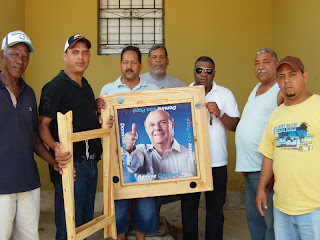 Entregan Mesa de Domino a club los Primos en Cancino Adentro