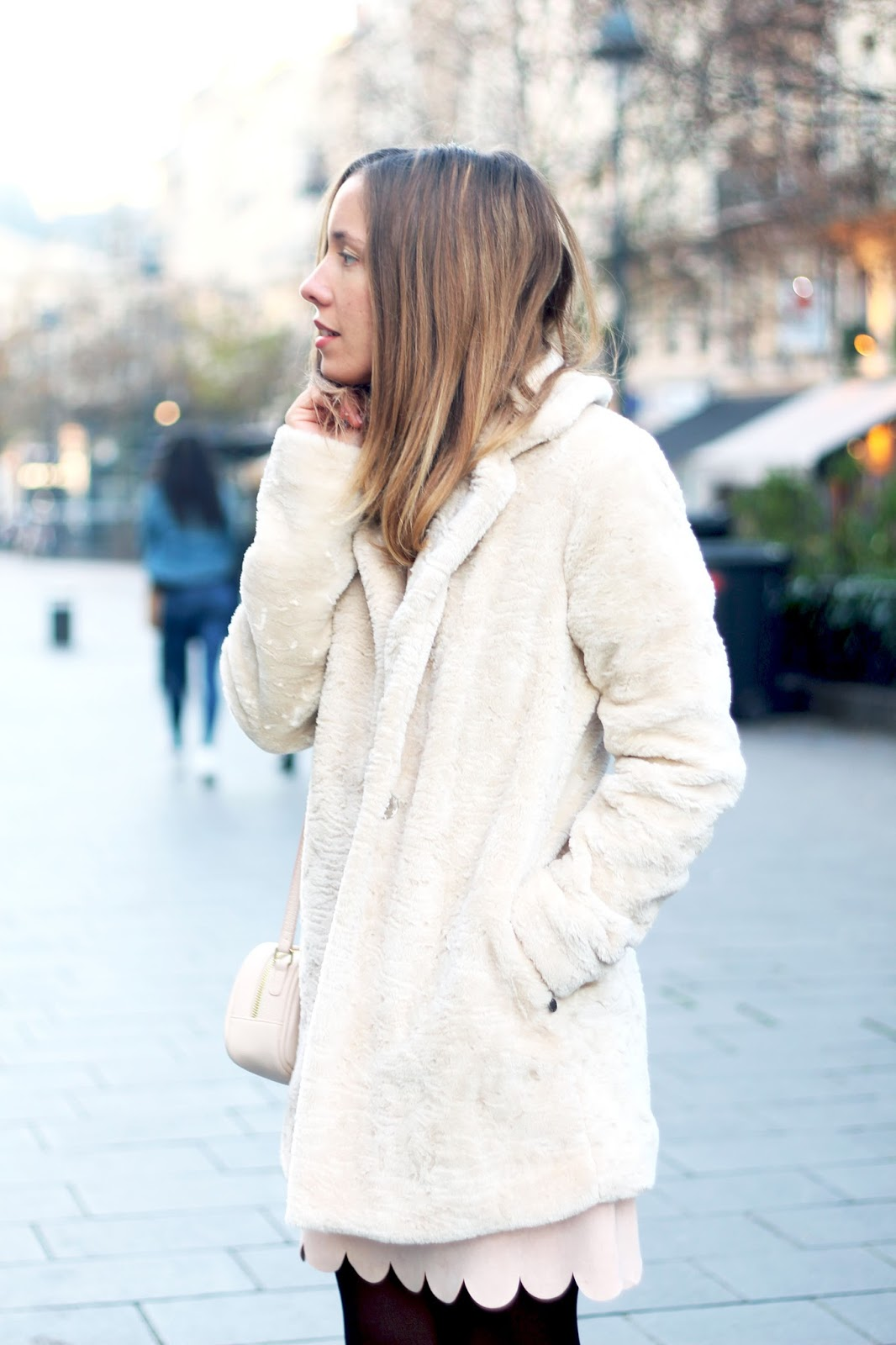 Manteau blanc fourrure