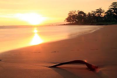 Rental ELF Pantai Pelabuhan Ratu