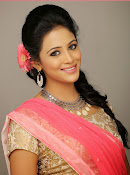 Actress Subhiksha Portfolio photos-thumbnail-14