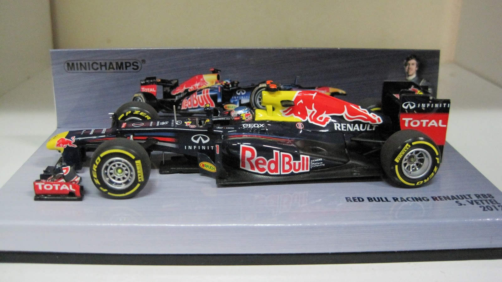 minichamps lego other things red bull racing renault rb8 sebastian vettel 2012 410120001. Black Bedroom Furniture Sets. Home Design Ideas