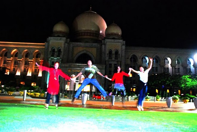 After Medan's Show,Marissa Haque, Ikang Fawzi, Isabella Fawzi, Chikita Fawzi di Syah Alam, Malaysia