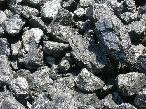 Coal lump (Credit: Nostrifikator, CC BY-SA 3.0) Click to enlarge.