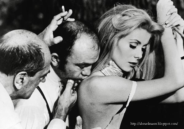 Luis Buñuel dirige Michel Piccoli e Catherine Deneuve em A Bela da Tarde (Belle de jour, 1967)