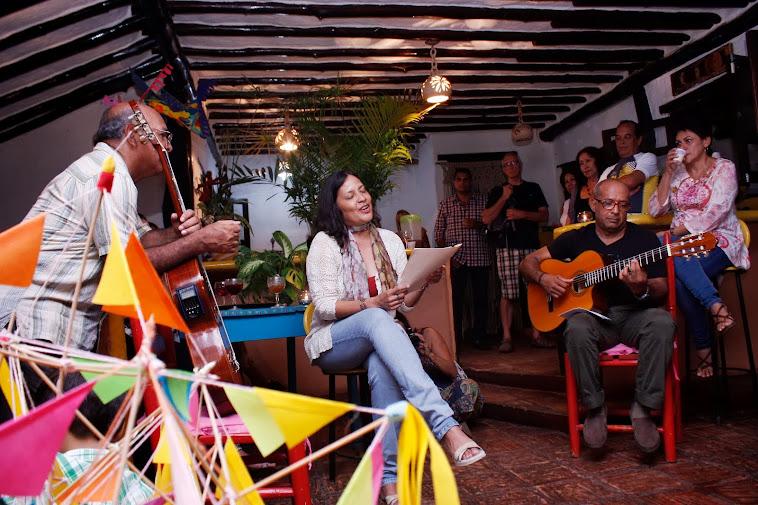 Con mis Versos Enamorados junto a mis queridos Gilberto Rebolledo y Oscar Martìnez ( El Remanso )