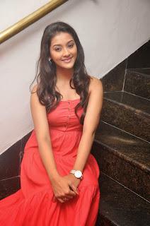 Pooja Jhaveri latest glamorous Pictures 016.JPG