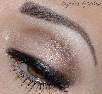 Eye of the day : A Natural Flirt (MAC Charcoal Brown, A Natural Flirt, Orpheus kohl, Anastasia Buff, Baby Queen 508)
