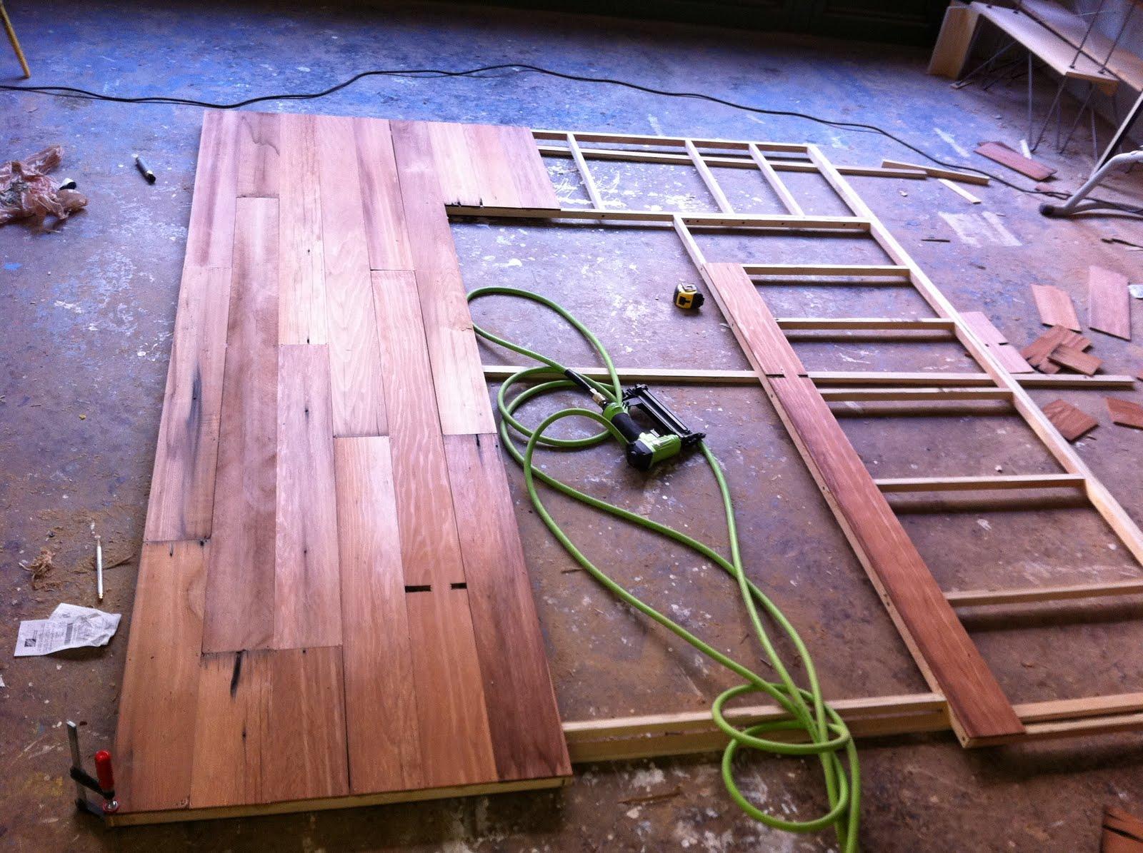 http://4.bp.blogspot.com/-L8QeZ5wq1t0/TeJuIeeqihI/AAAAAAAAAE4/AxN28V-AAuk/s1600/mark+reclaimed+wall+assembly.JPG