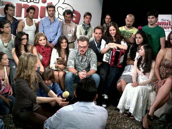 Una Familia con Suerte Fotos de la Telenovela