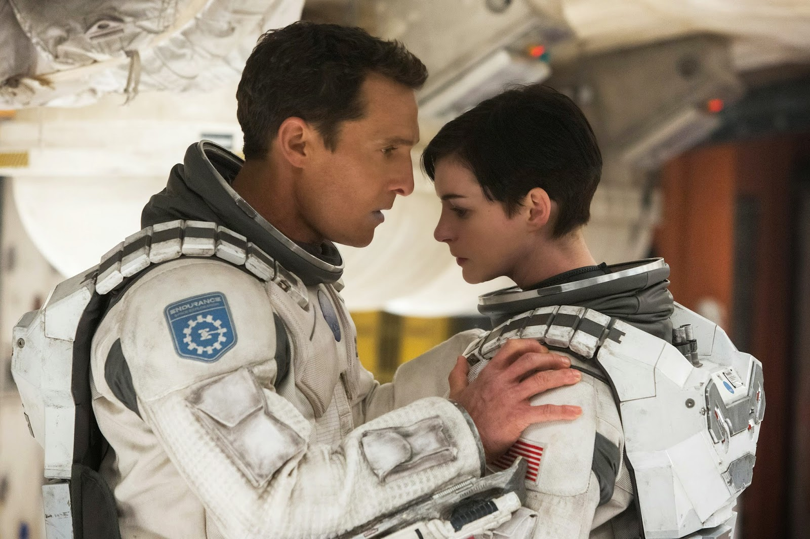 Interstellar - Matthew McConaughey (Cooper) y Anne Hathaway (Brand)