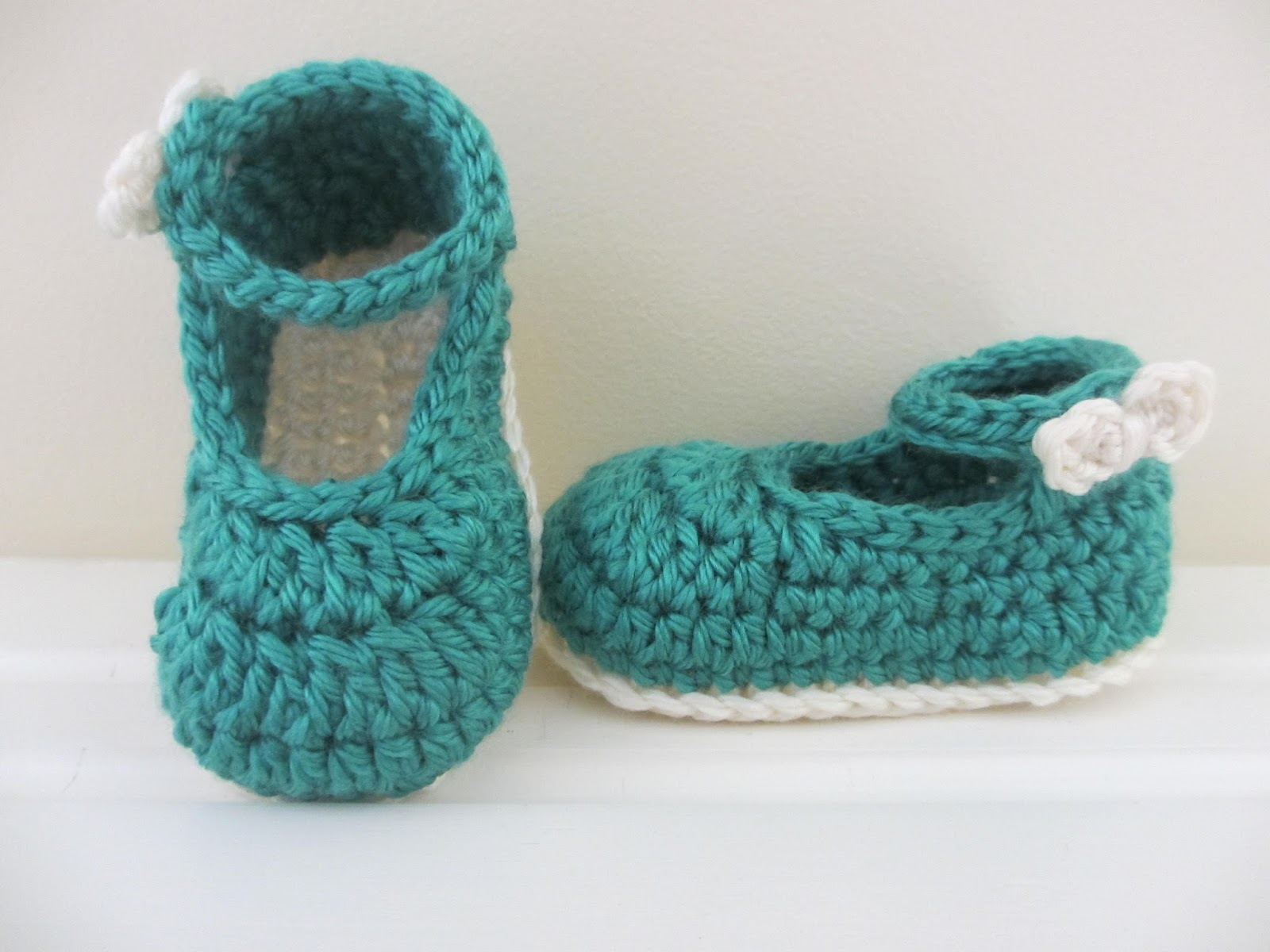 Crochet Pattern For A Baby Jacket : Jays Boutique Blog: FREE PATTERN: Bow Buckle Mary Janes