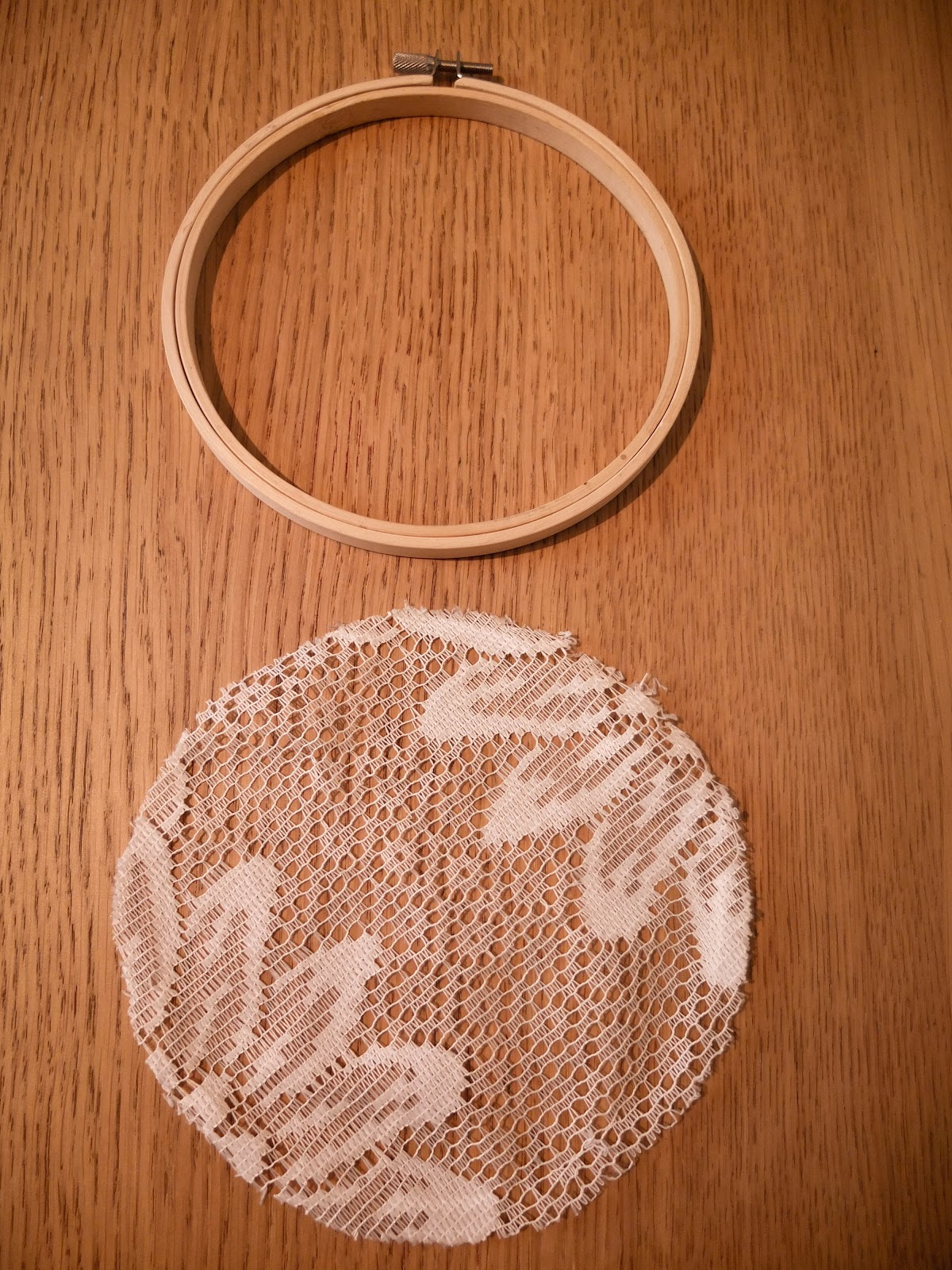 Show and tea lace embroidery hoops